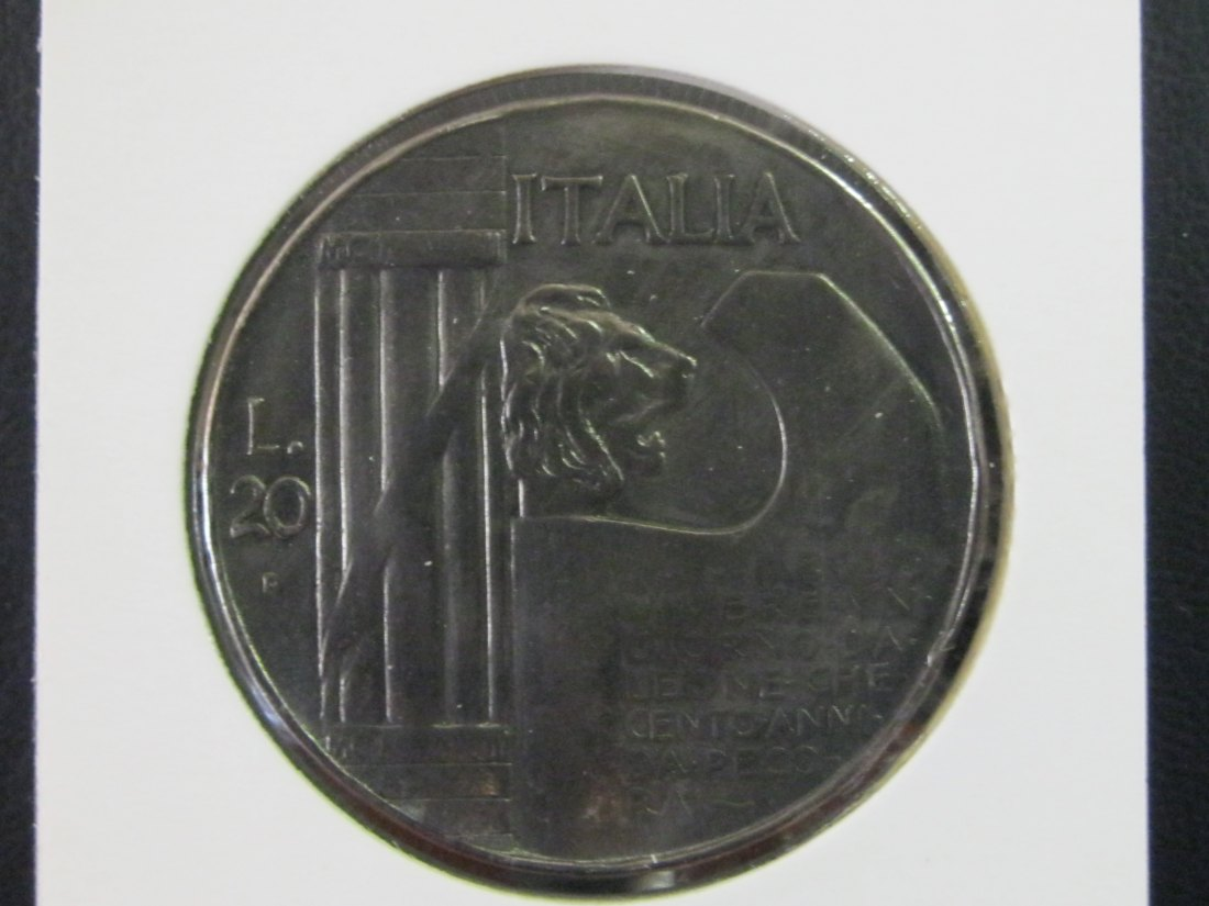 ITALY 20 LIRE 1928 10 ANNS END OF WWI.GRADE-PLEASE SEE PHOTOS AND READ BELOW.